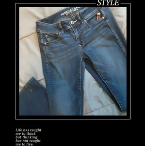 Size 4 American Eagle Super Stretch Kickboot jeans